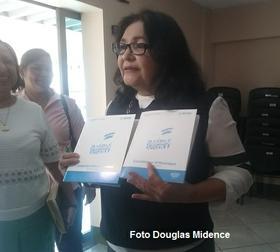 Entrega de la Constitución a Estudiantes de Managua