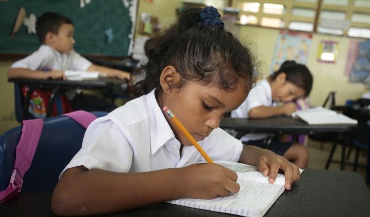 Panam 45 mil estudiantes son afectados por vacantes de for Vacantes para profesores