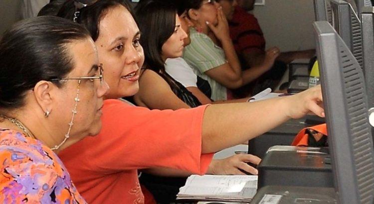 Paraguay becas para 600 docentes al exterior desatan for Educacion exterior