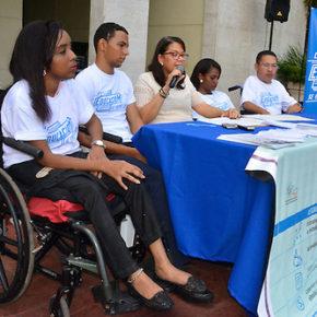 Rueda de Prensa Personas con discapacidad solicitan al Ministerio de Educacion (MINERD) garantizar du acceso al sistema educativo.  Foto: Carmen Suárez/Acento.com.do  28/07/2016