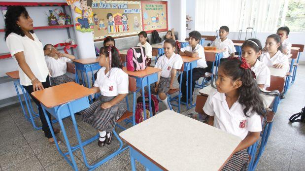 LIMA, 1 DE MARZO DEL 2013  INICIO DEL AÑO ESCOLAR EN LOS COLEGIOS DE LIMA.  FOTO: PERCY RAMIREZ / EL COMERCIO