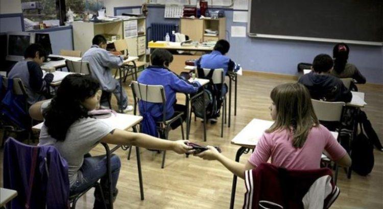 numero-becados-universitarios-pasado-alumnos_ediima20131226_0204_4