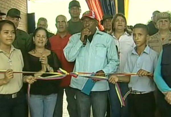 tomas-gonzalez-venezuela-m-aacute-s-de-2-millones-de-estudiantes-de-educaci-oacute-n-media-se-incorporaron-a-las-aulas