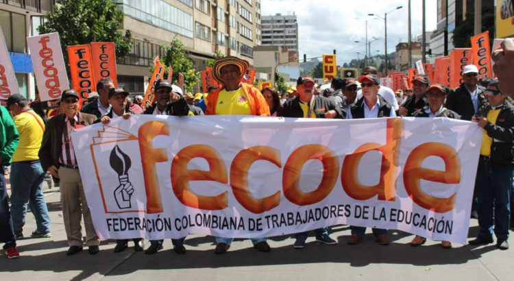 50429012. Bogotá.- La Federación Colombiana de Educadores (Fecode), rechazó hoy la propuesta del gobierno de presidente Juan Manuel Santos, de hacer una tregua en el paro nacional indefinido para reiniciar las negociaciones del pliego de peticiones. NOTIMEX/FOTO/FECODE/COR/LAB/