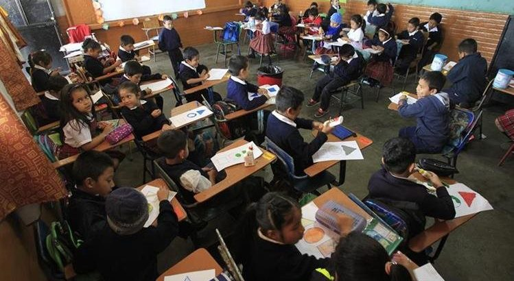 Guatemala falta de planificaci n en educaci n afecta a for Mobiliario para estudiantes